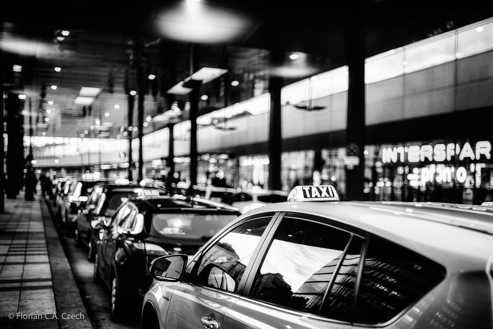 Taxi schwarz weiss